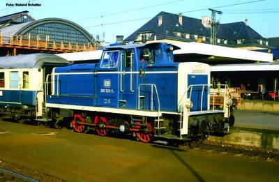 ~ Diesellok/Sound BR 260 DB blau-beige IV + PluX22 Dec.
