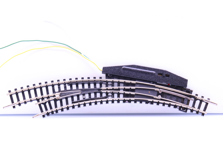 Minitrix 4966 N meegebogen wissel links met electrische aandrijving