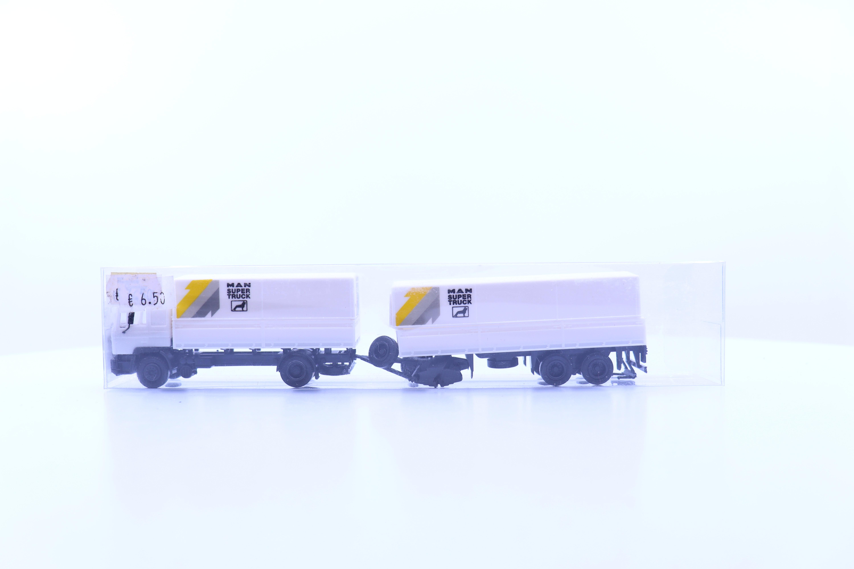 """vrachtwagen met aanhanger """"MAN super truck"""""""