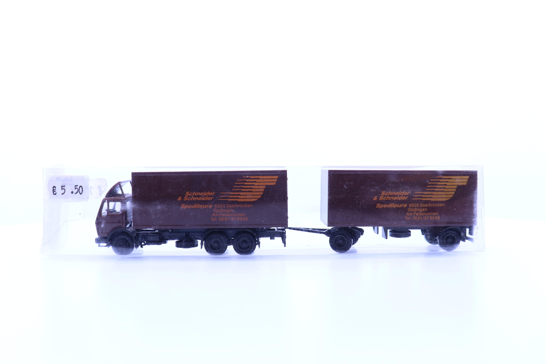 """vrachtwagen met aanhanger """"schneider & schneider"""""""
