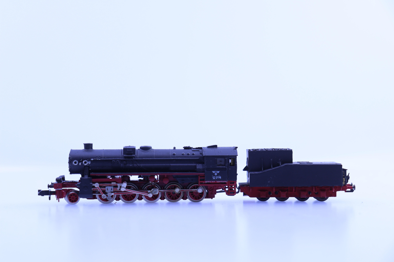 onbekend merk N stoom locomotief met tender BR 52